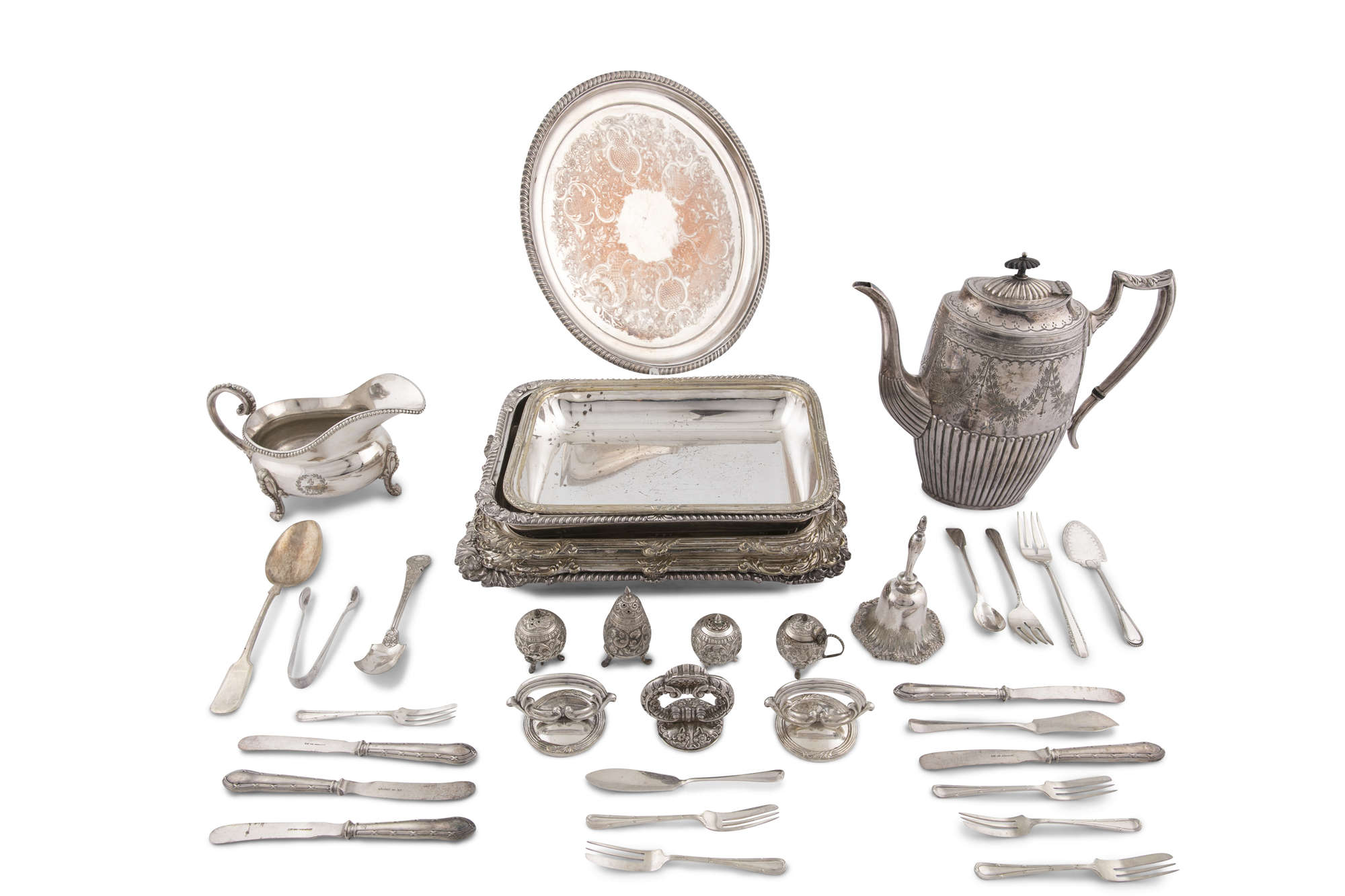 LOT:249   A MISCELLANEOUS COLLECTION OF SILVER PLATED ITEMS