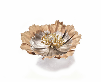 A diamond ''en tremblant'' flower clip-brooch by Gianmaria Buccellati - Sold for €12,000